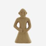 Madame Stoltz -Standbeeld - Zand
